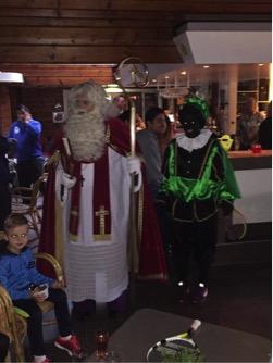 Sinterklaas is z'n mijter kwijt